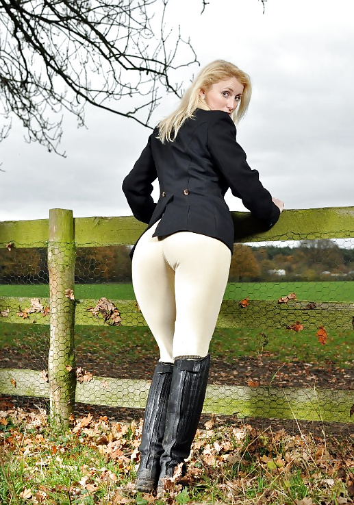 Jodhpurs facesitting
