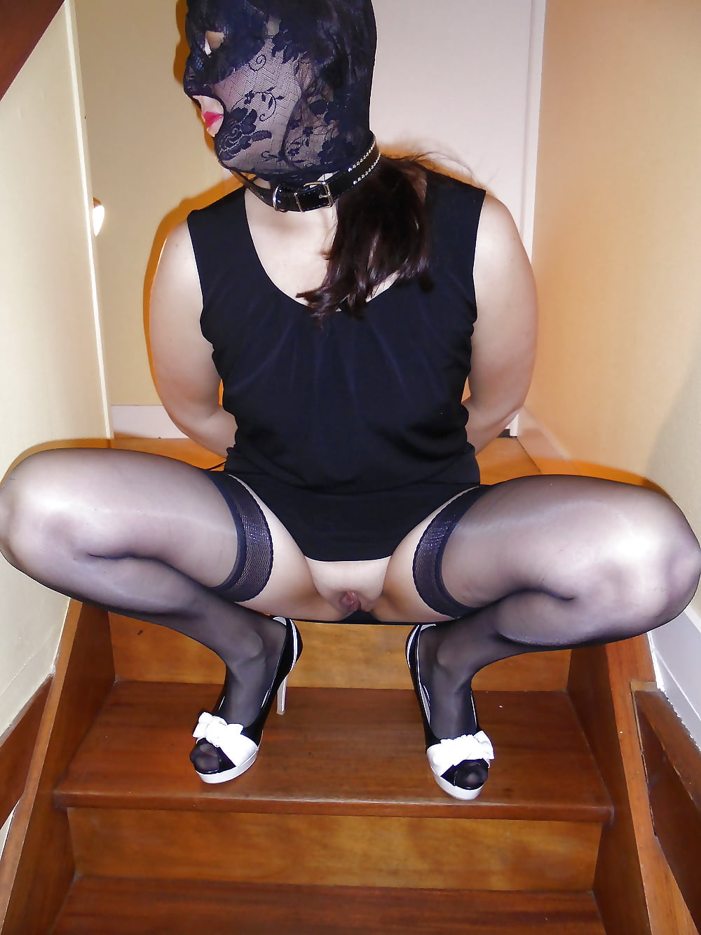 stripping naked slut dana da silva tits nipples  pussy