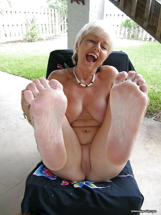Sexy granny toes, thailand male naked model