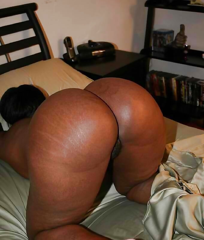 Thick black milf booty hammered by a hard black dick