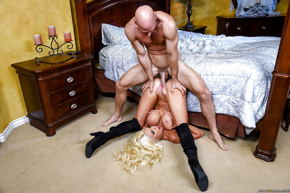Nicolette Shea In Black Boots Gets Fucked Hard My Por Yourporn 1