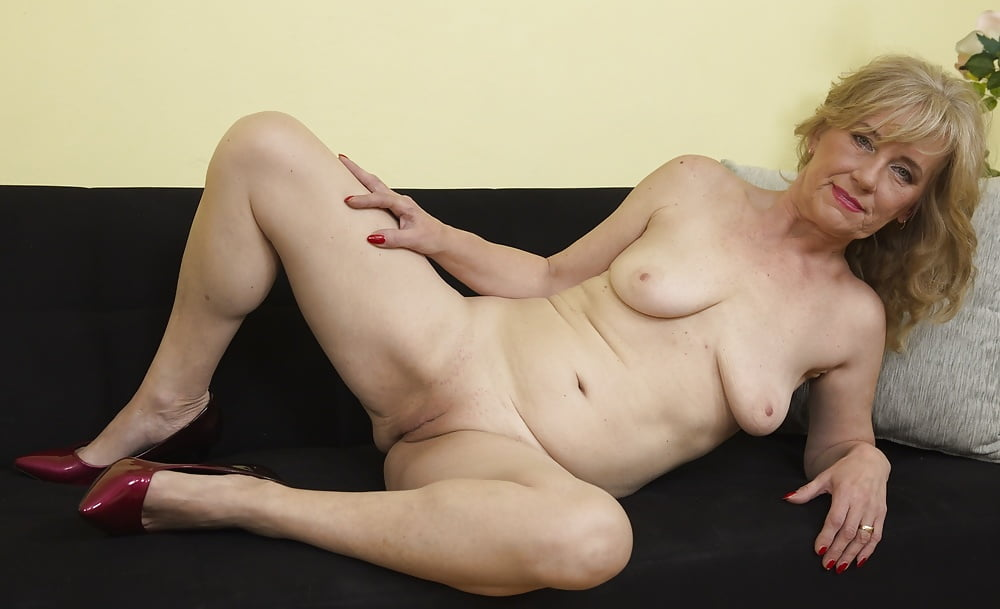 mature-solo-pics-free-sex-cow-nude