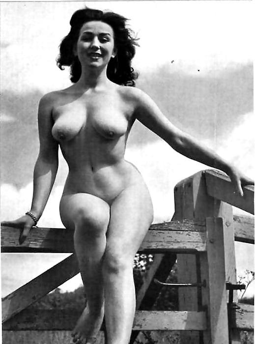 обнаженные фото старых актрис пышногрудая