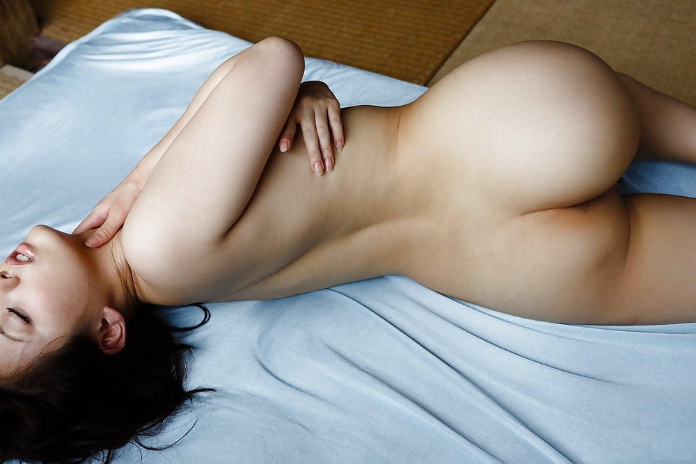 naked-girls-lay-down-videos-naked-exercise