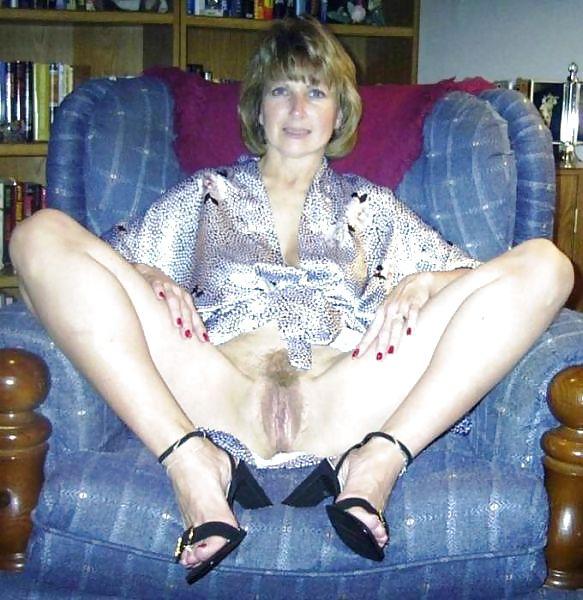 Older women mastabating-8297