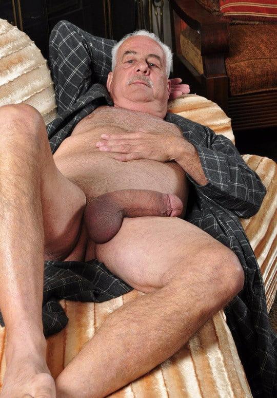 mature-man-having-sex-facials