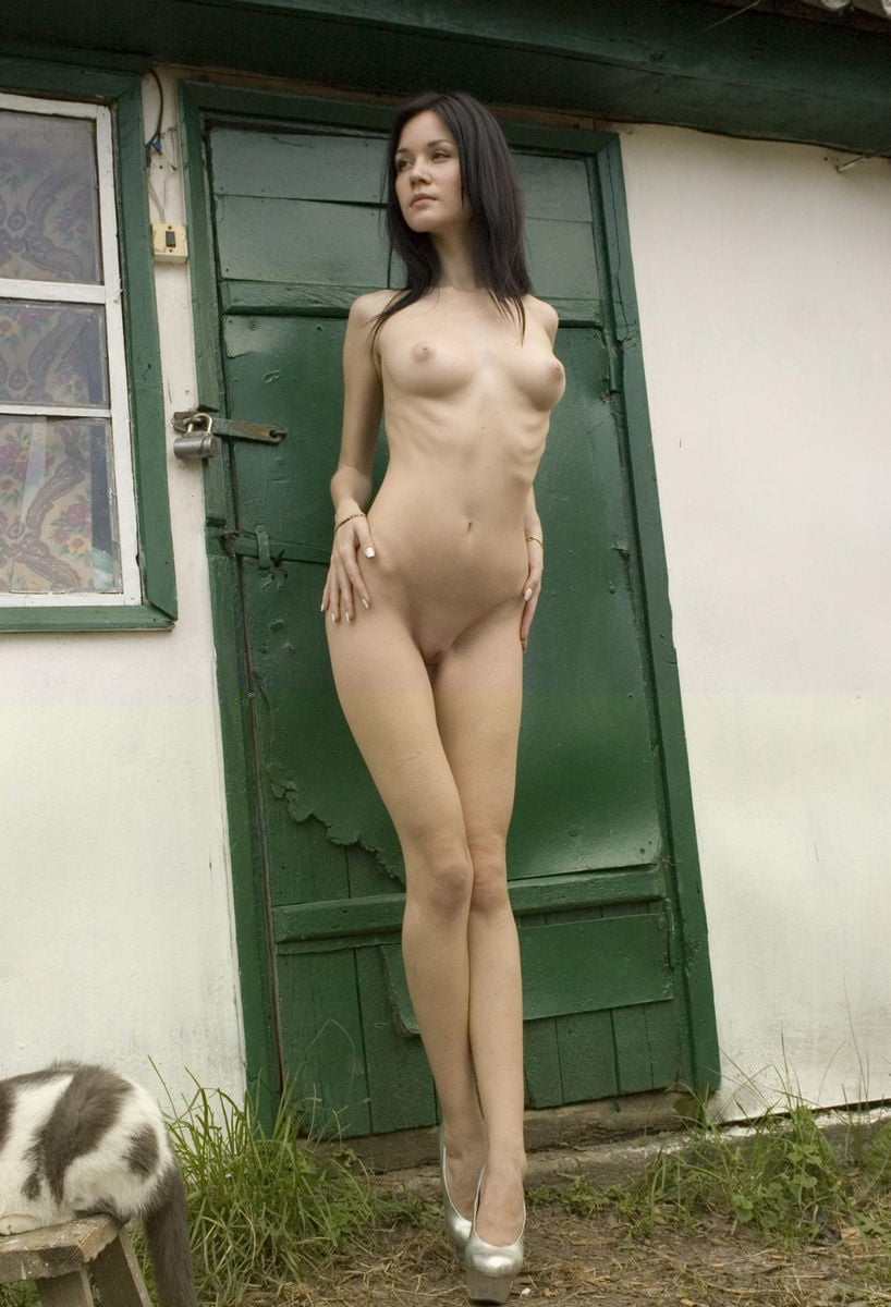 tall-skinny-nude-fillopine-girls-turned-out