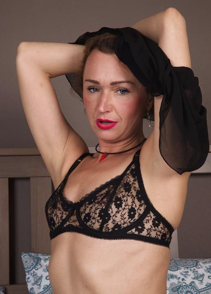 42yo Russian lustful mommy Aleksa 09.26.2020 - Bedroom Play - 167 Pics