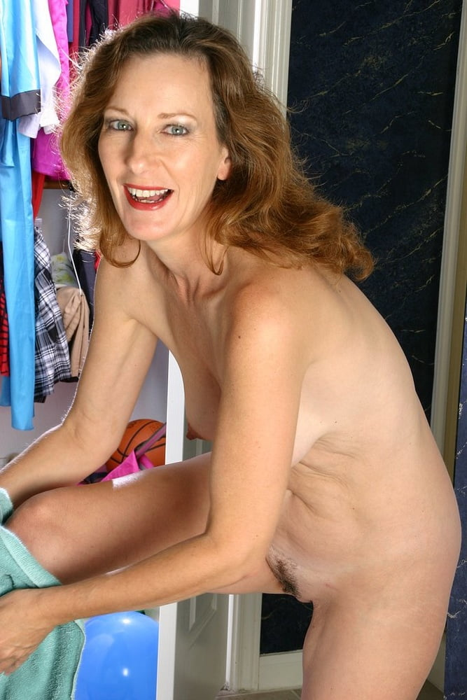 Mature mom small tits-9289