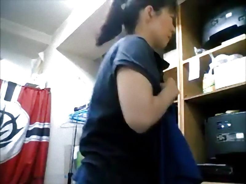 Changing clothes nata cambiandose de ropa nata 1 - 3 part 6