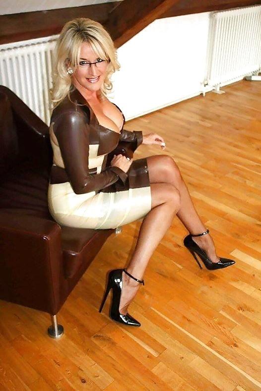 Horny mature women xxx-8497