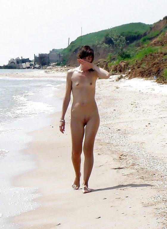 Flat chest nudist — pic 6