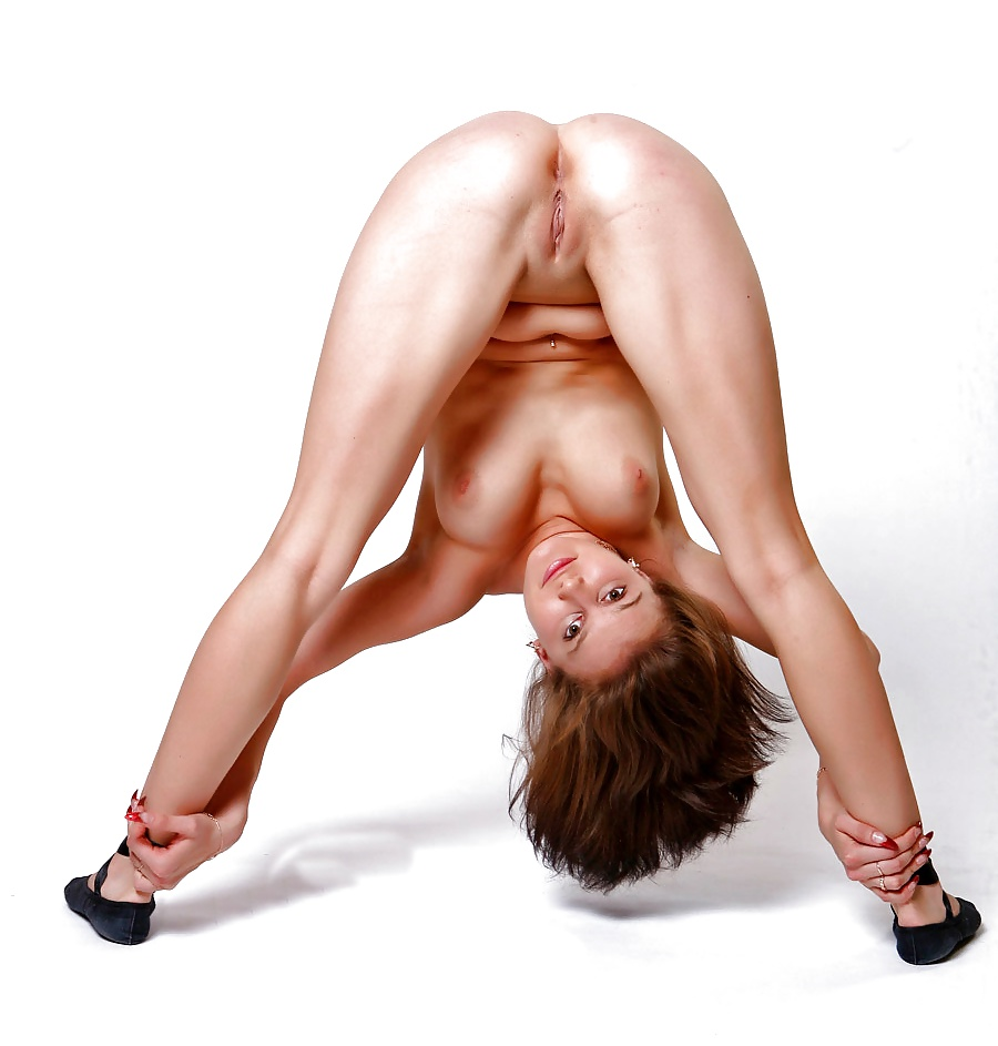 Extremely flexible nude girl #13