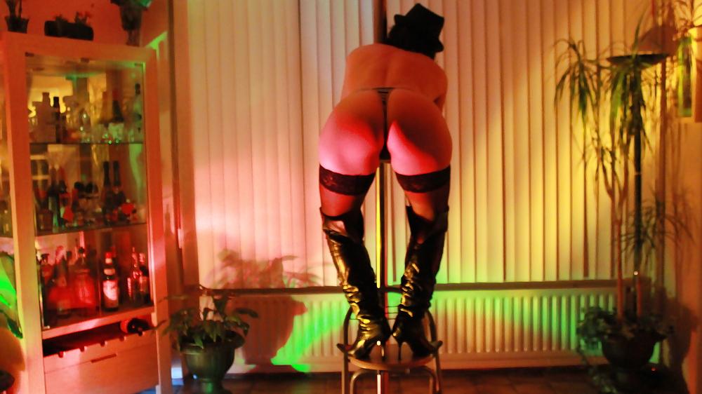 Strip dance porn