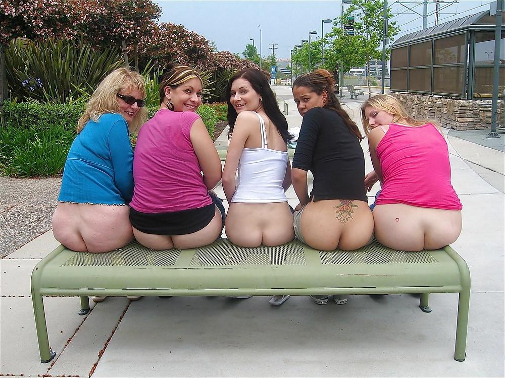 Amateur Girls Flashing Ass - 15 Pics  Xhamster-7948