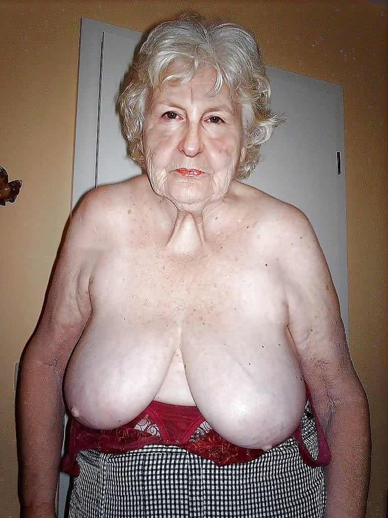 Granny maid white blonde big tits naked big boobs pics of boobs