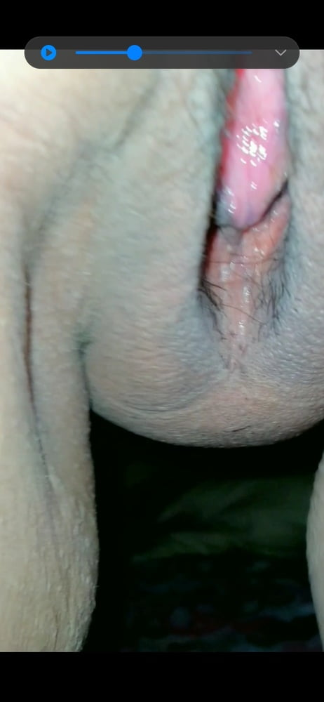 Slutty Filipina wife with extremely tight cunt ready to fuck - 9 Pics