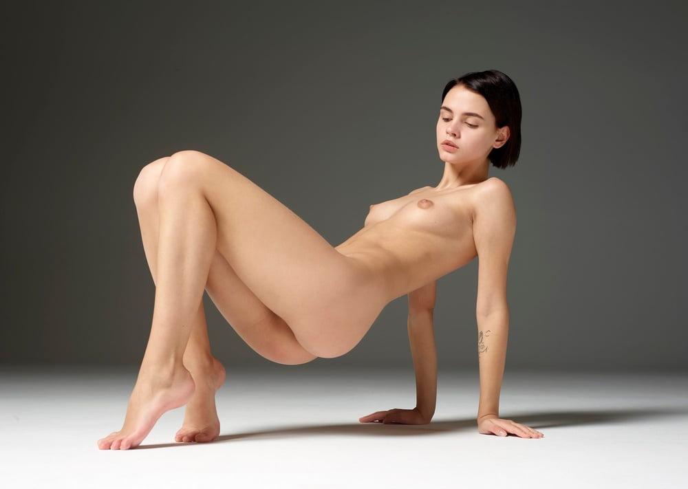 Korean model nude show