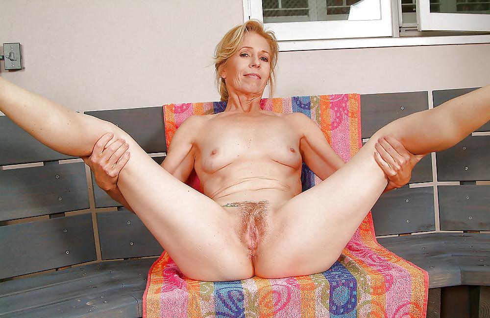 Порно фото ножки пожилых дам #9