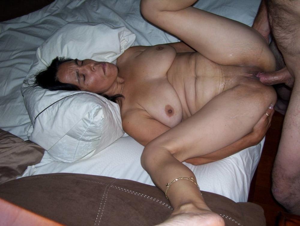 Milf webcam naked