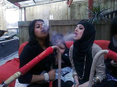 Hijab girls getting high!