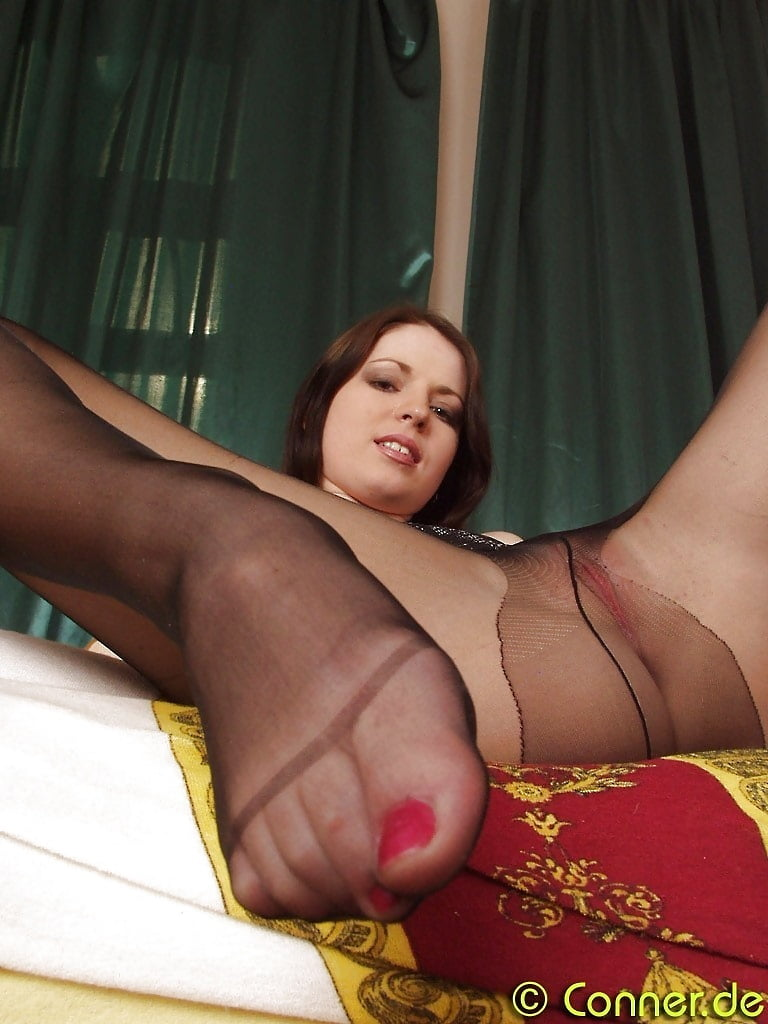 soccer-to-legs-pantyhose-sex-foot-nued-milfs-naked