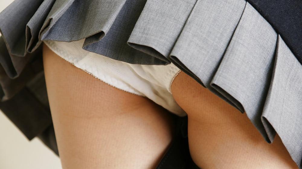 Beautiful Busty Long Leg Girls Great Thighs Upskirt Panties