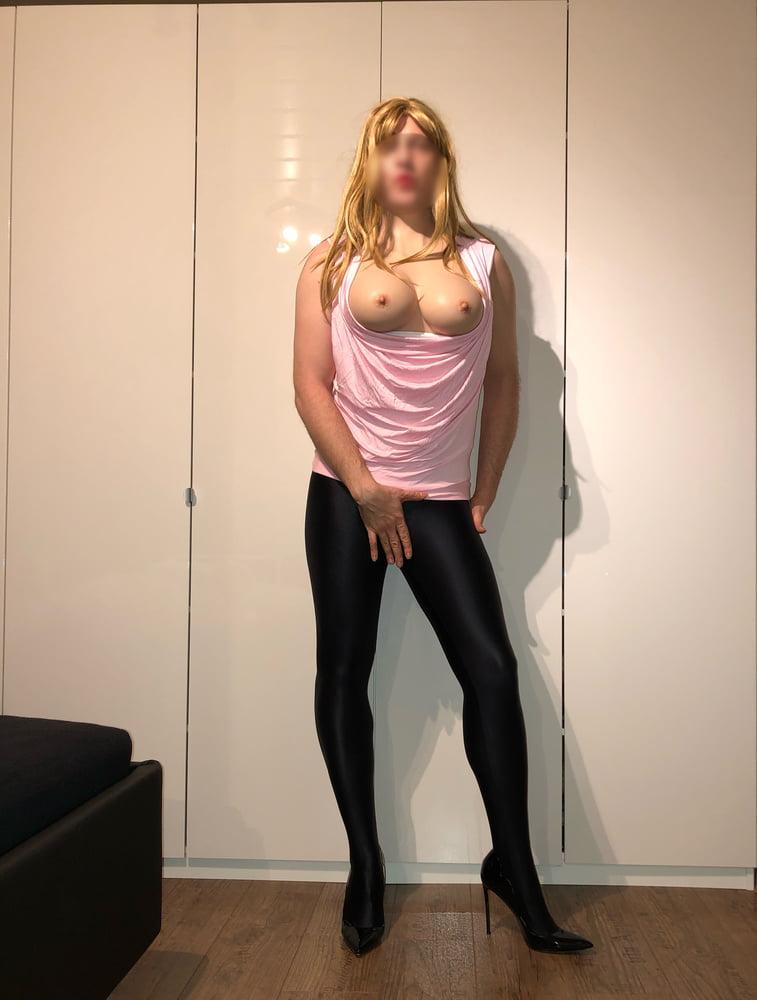 Pink sexy slut - 12 Pics