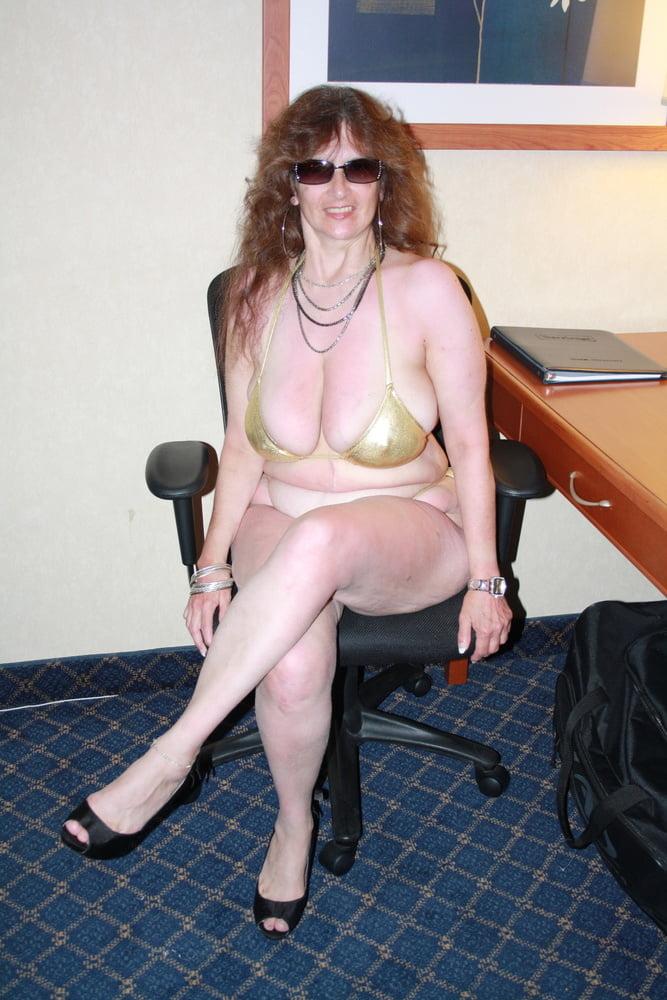 Mature women in skimpy bikinis-9315