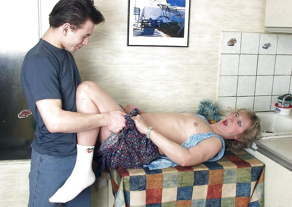 Porno amerika pichunter mom rape