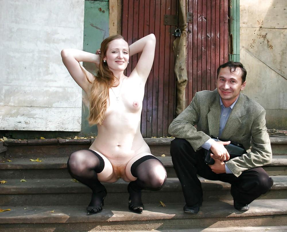 позирует фото порно в деревенском клубе упаси милую