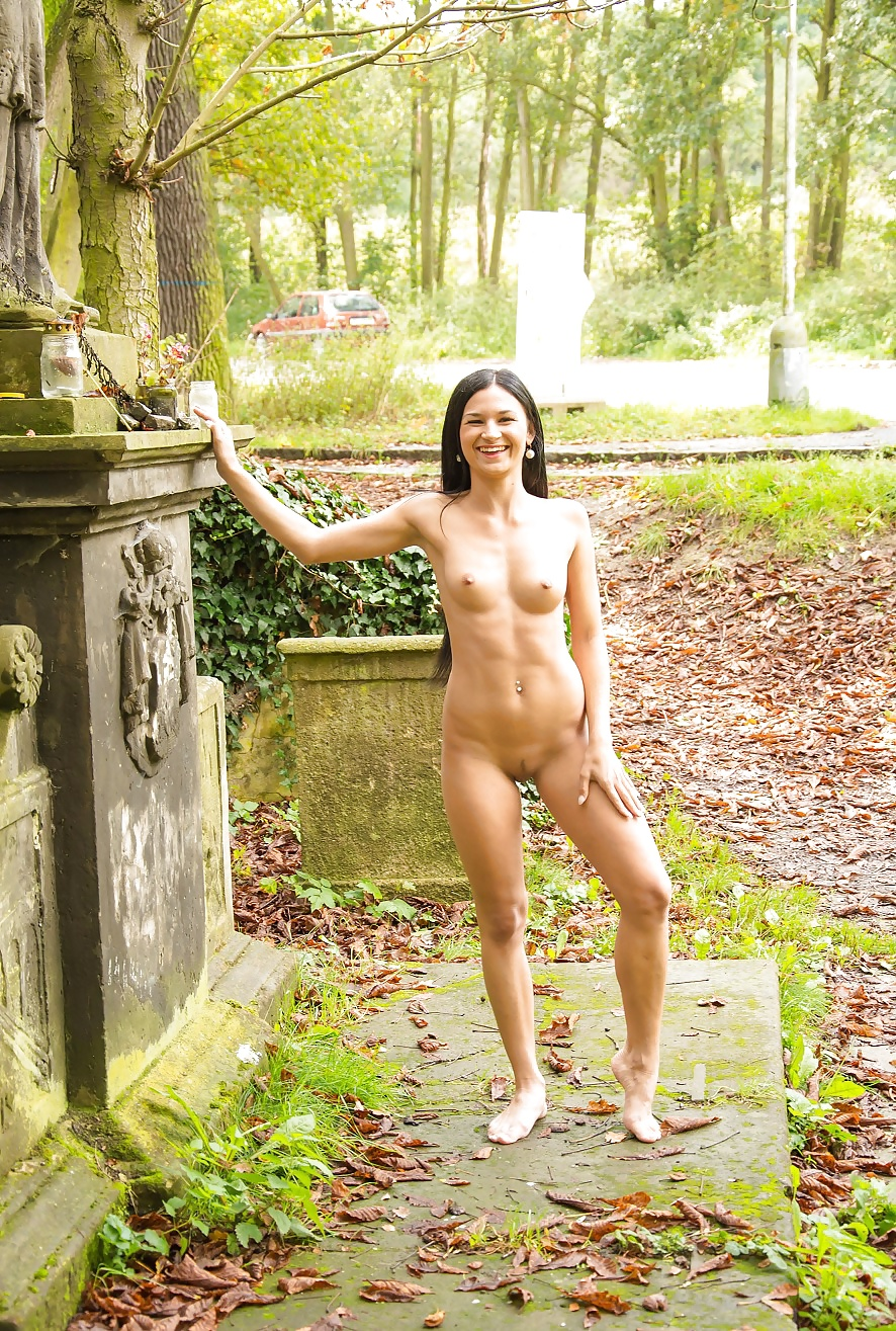 Naked ladies in public places-8321