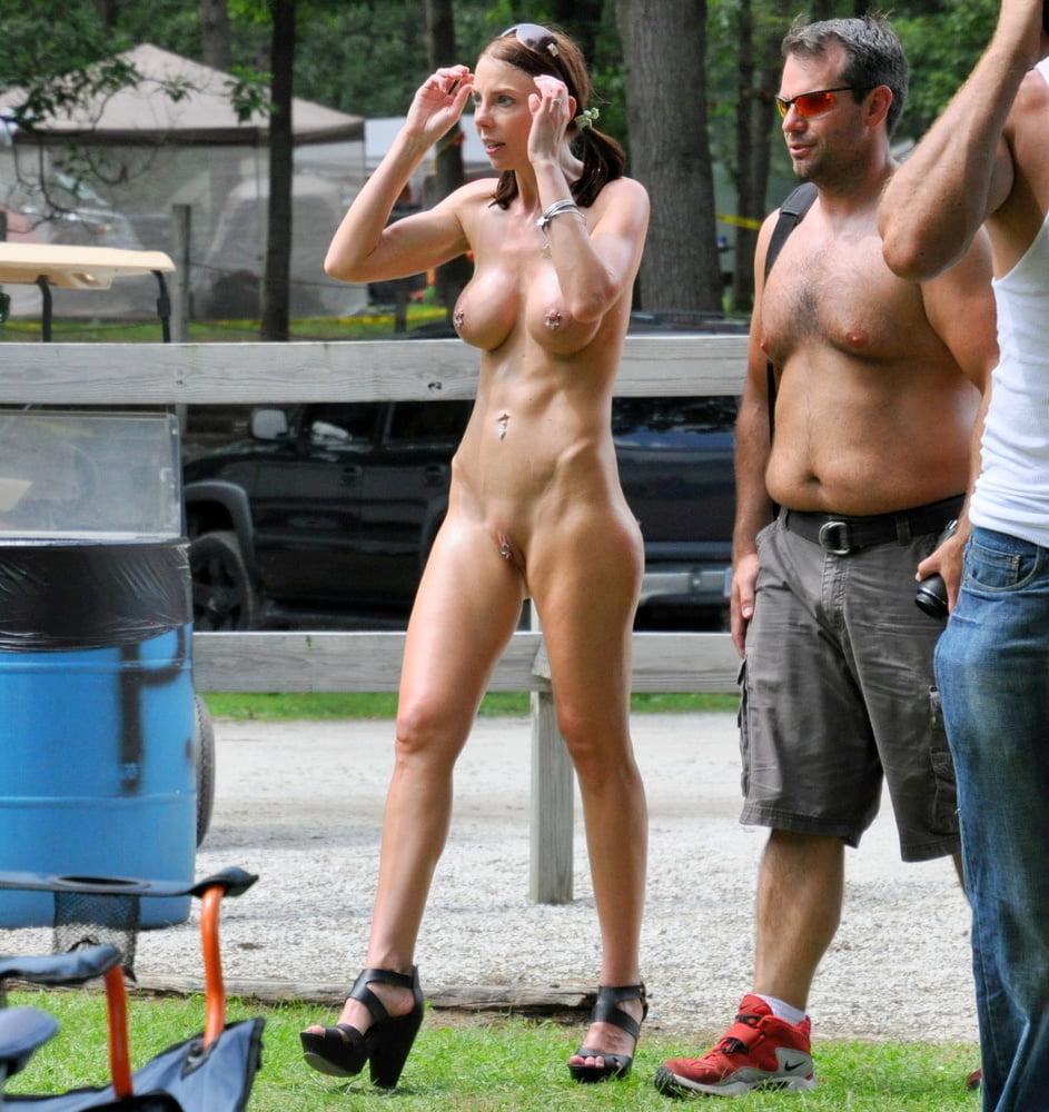 nude-public-cowboy