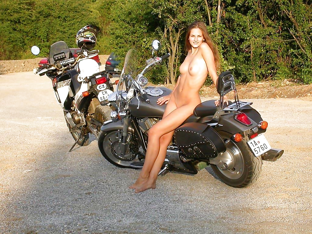 naked-biker-chicks-video