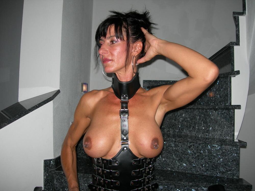 chappel-nude-bdsm-hot-wifetures