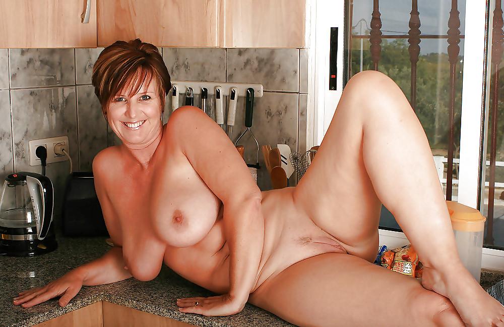 кого голые зрелые дамы видео эротика они
