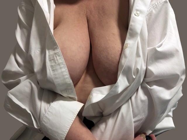 Mature big tits masterbating