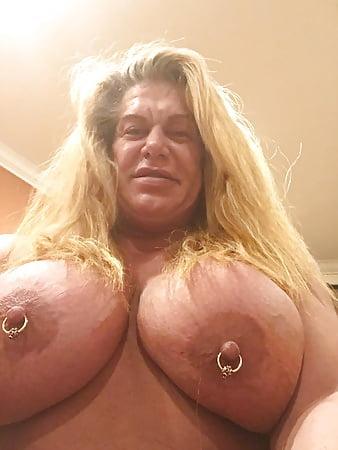 female nude Wwe wrestlers wrestling