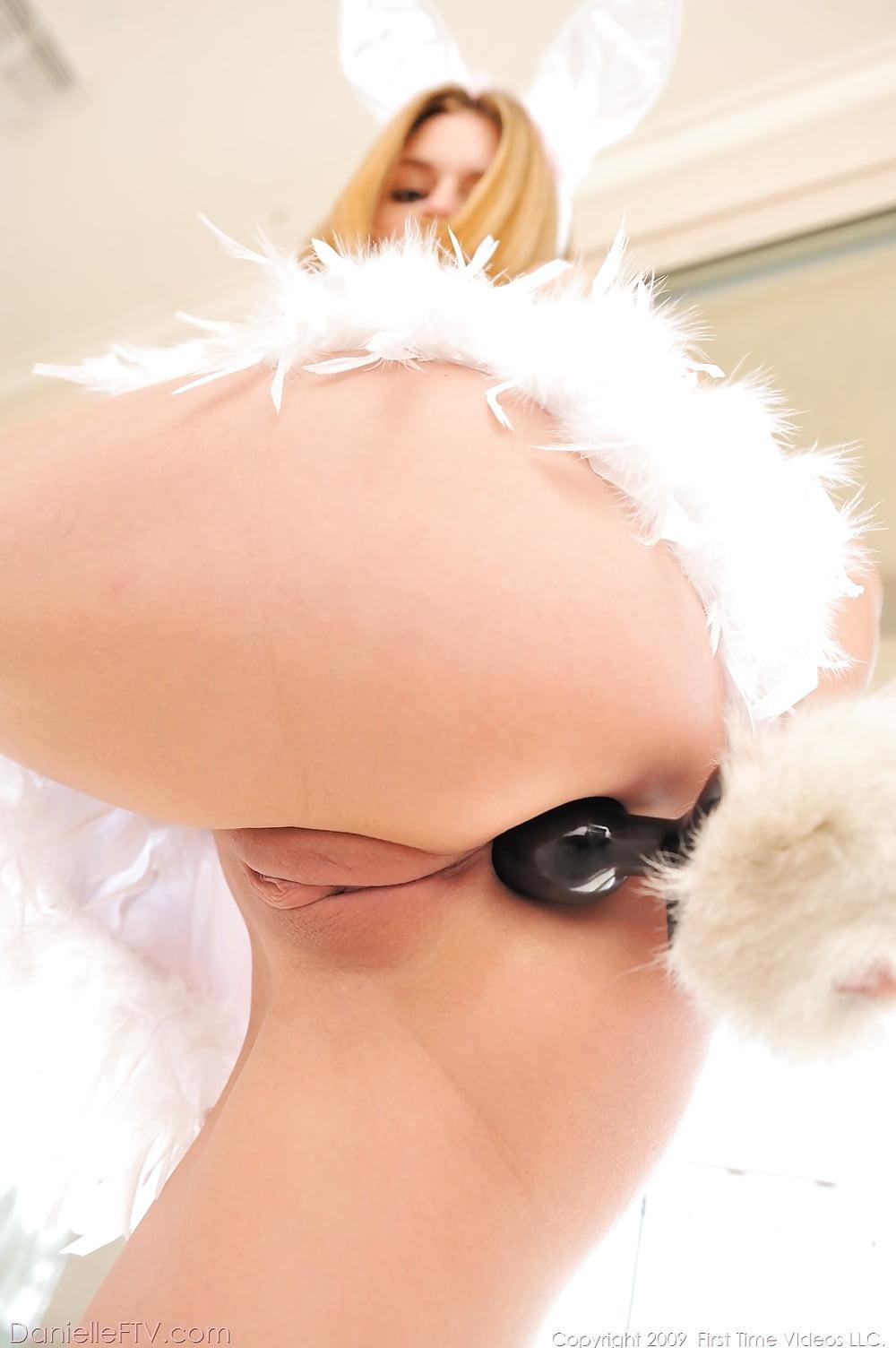 девушки с анальными хвостиками картинки - 9