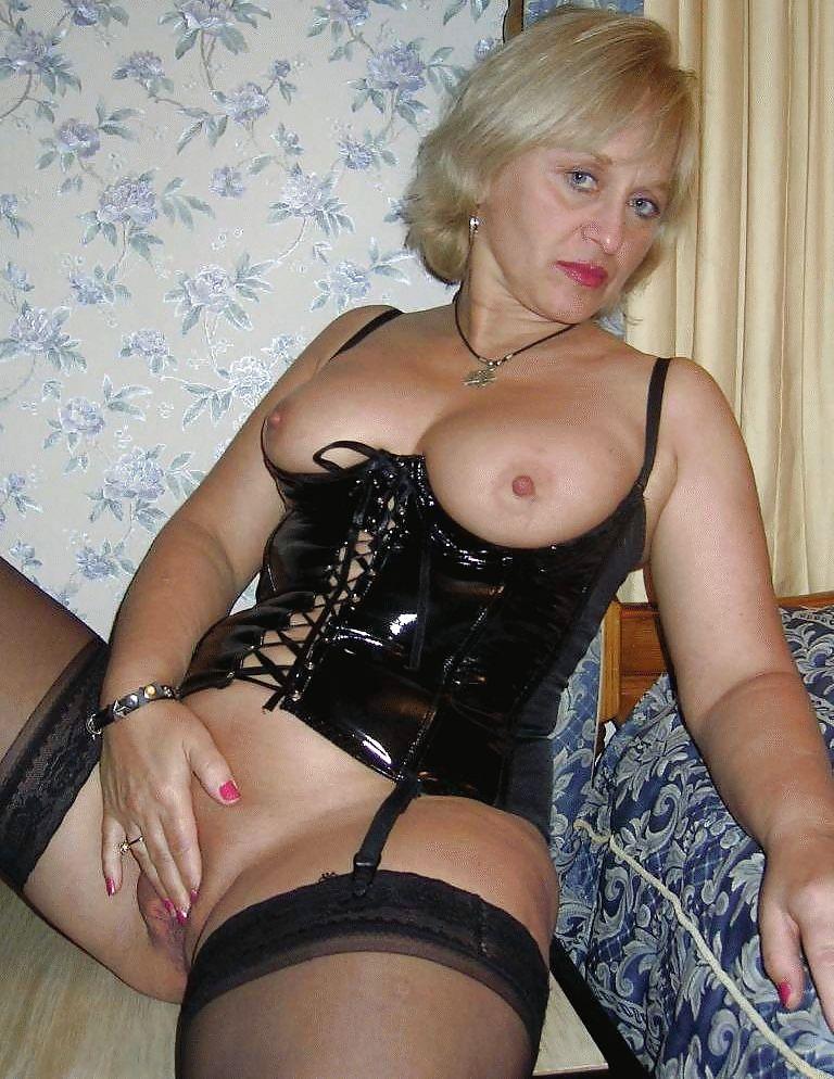 Оргазм мастурбации зрелые проститутки питера выезд как вдвоем трахнули
