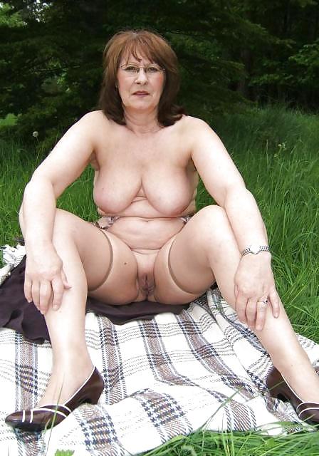 Michelle hunziker nake photos