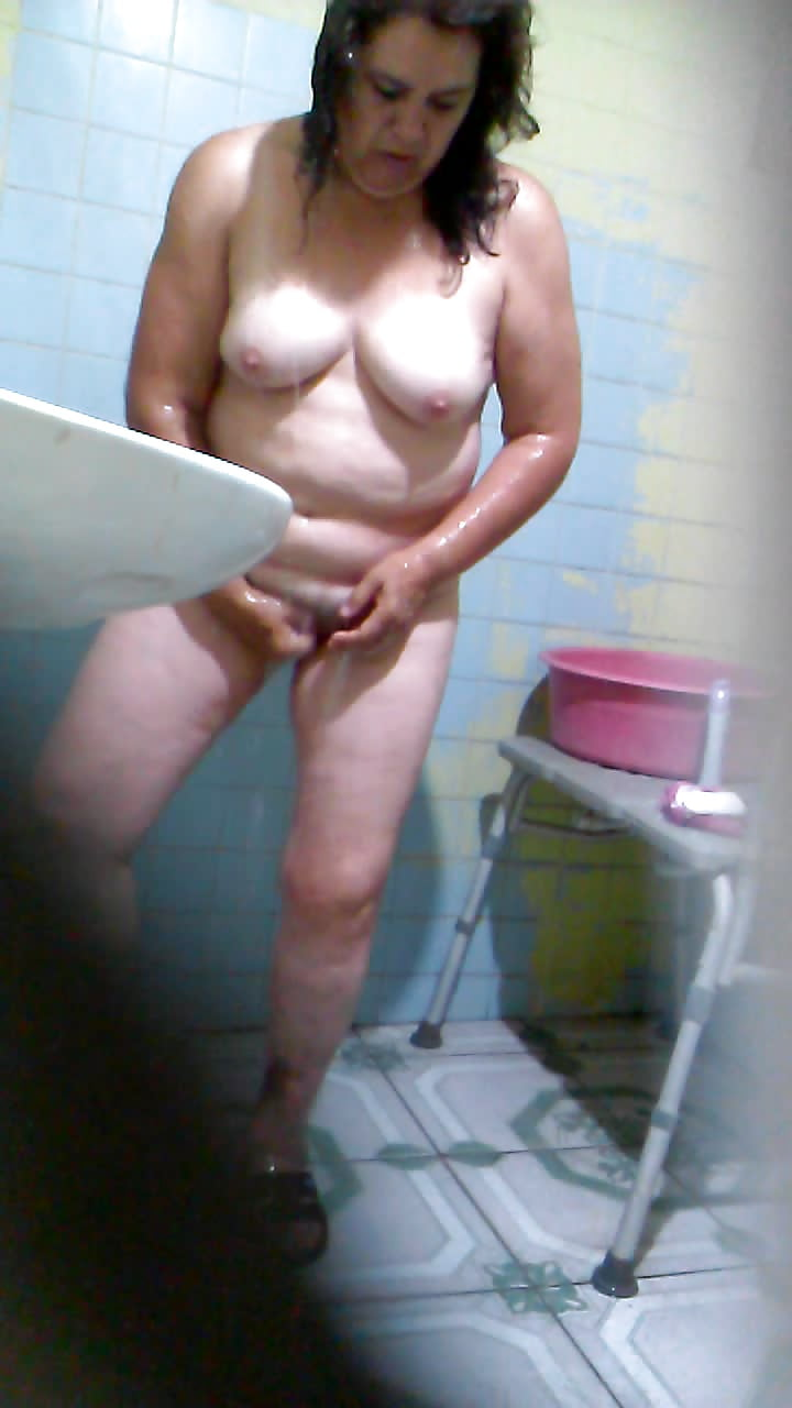 mature-spying-on-girl