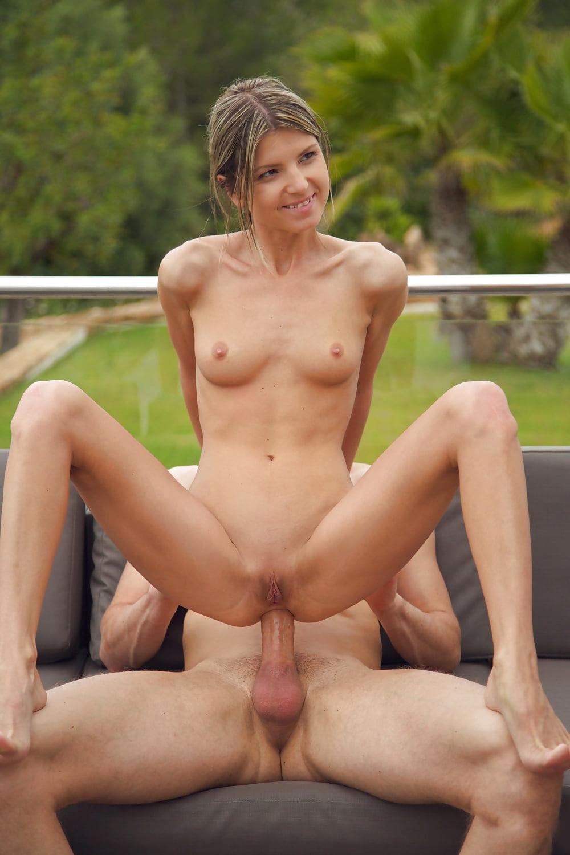 girls-anal-fuck-smiling-naked-spanish
