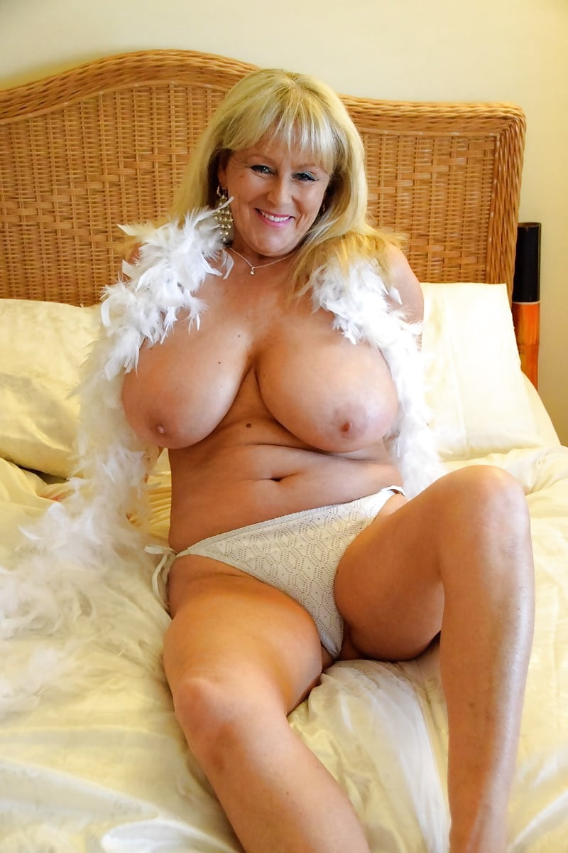 Mature busty 40 plus lady