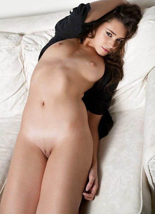 Nudecelebsworld french stars french celeb emmanuelle beart nude hot nude