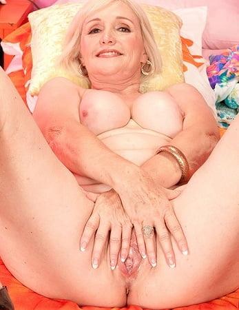 Lola Lee Porn