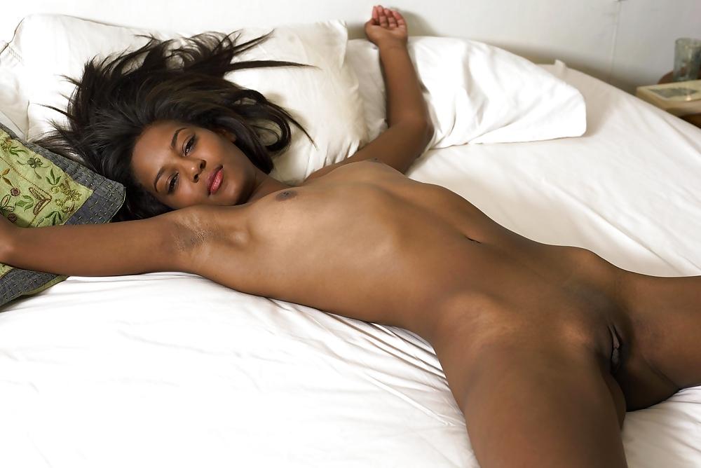 Порно фото спящих домашнее послушно поддалась