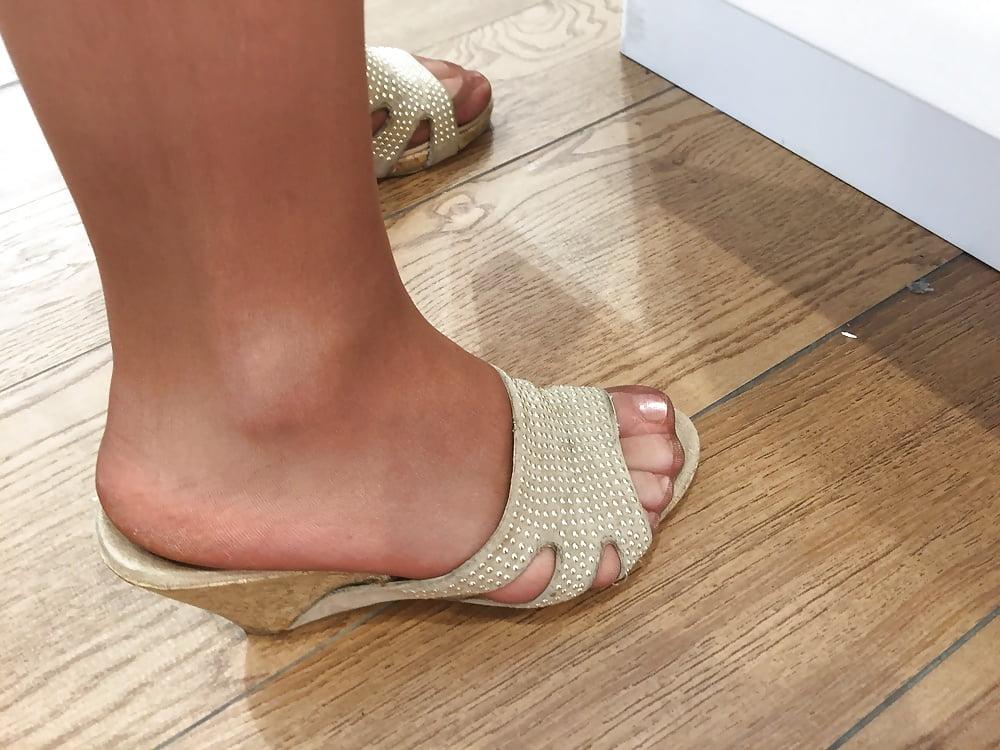 Candid Nylon Feet