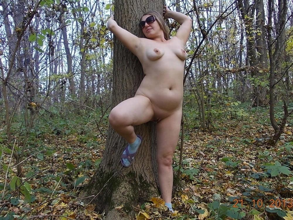 бабоньки в лесу мое