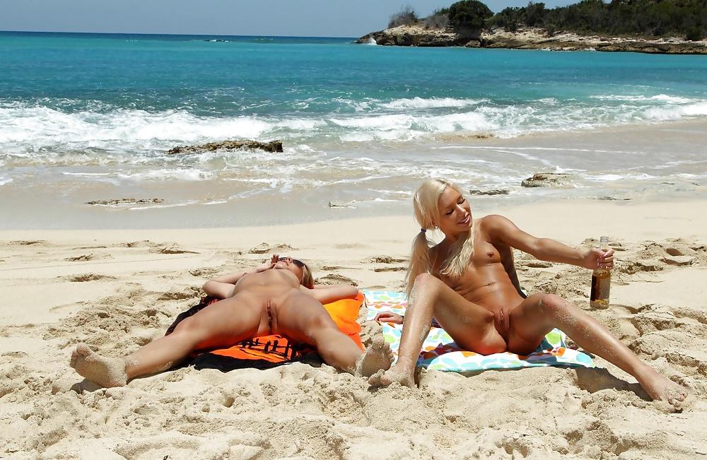 Kacey Jordan Lesbian Beach